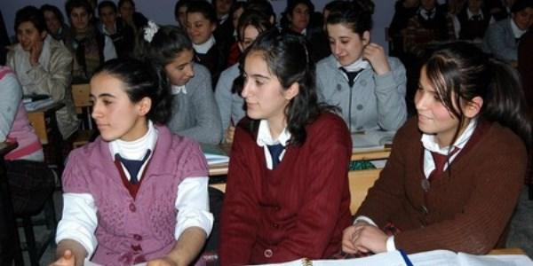 Liselerde se�meli ders kar���kl���