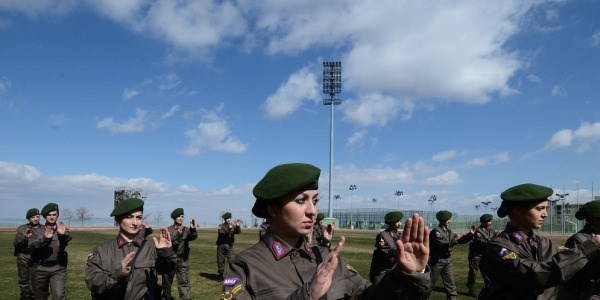 Askeri kurumlarda, n�betten muaf personel de�i�ti