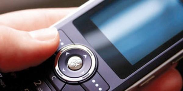 Bankalar�n uyar� SMS'i i�in 3 lira almas�na tepki