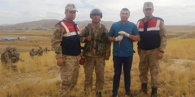 Nesli tükenmekte olan tavşanı askerler buldu