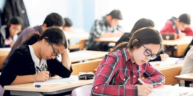 Liselere giriş sınavının dördüncü örnek soru kitapçığı yayımlandı
