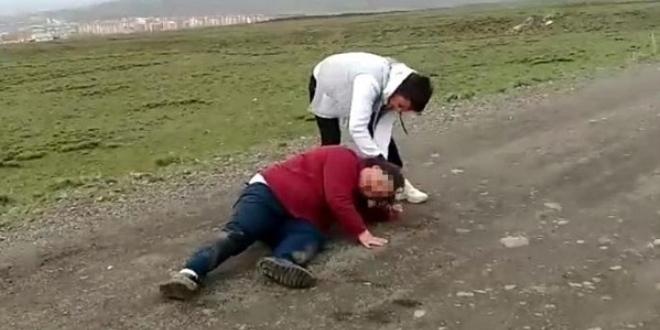 Palandöken Dağı eteklerine götürdükleri 2 genç kızı ile ilgili görsel sonucu