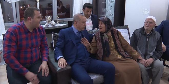 Cumhurbaşkanı Erdoğan'dan Hatay'da ev ziyareti