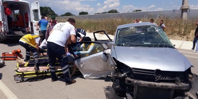 Edirne'de trafik kazası: 3 ölü, 3 yaralı