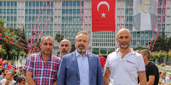 Milletvekili Dalkılıç, İBB'den çıkarılan işçilerle buluştu