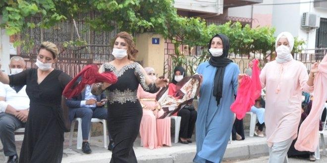 Mersin'de sağlık çalışanından 'örnek düğün' - Memurlar.Net
